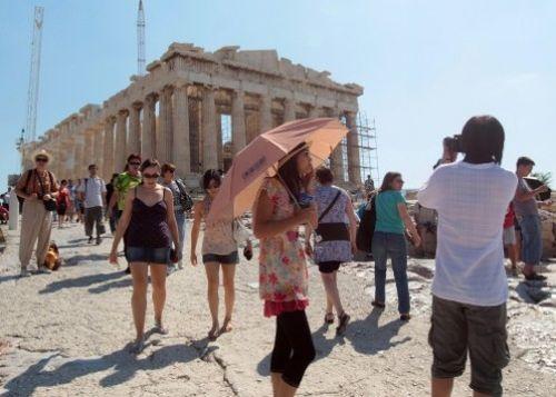 akropoli_touristes