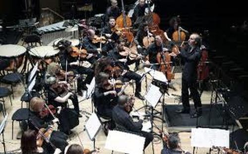 orchestra_ton_chromaton_stegi_grammaton_kai_technon