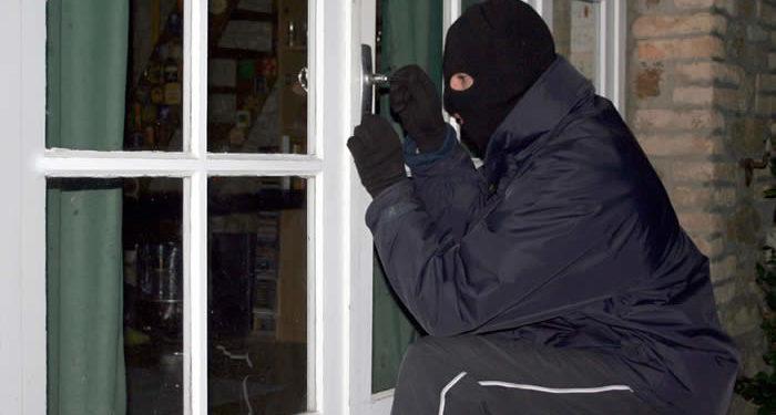 Burglar 700x375